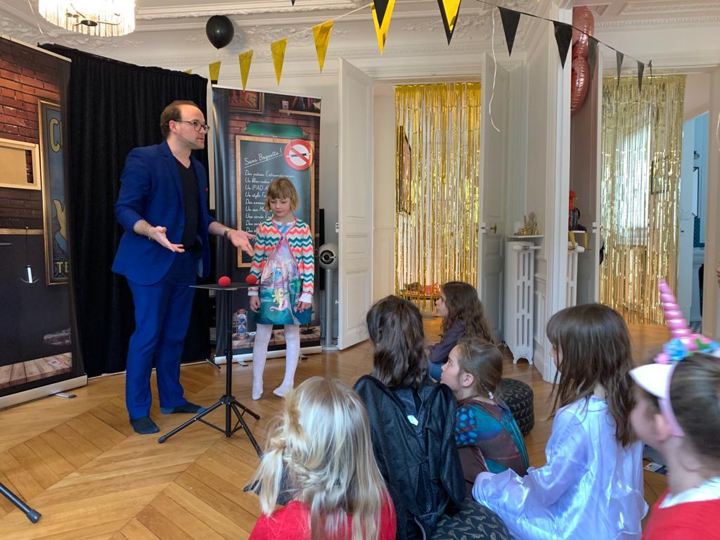 Paulmagie magicien pour anniversaire enfant à domicile paris
