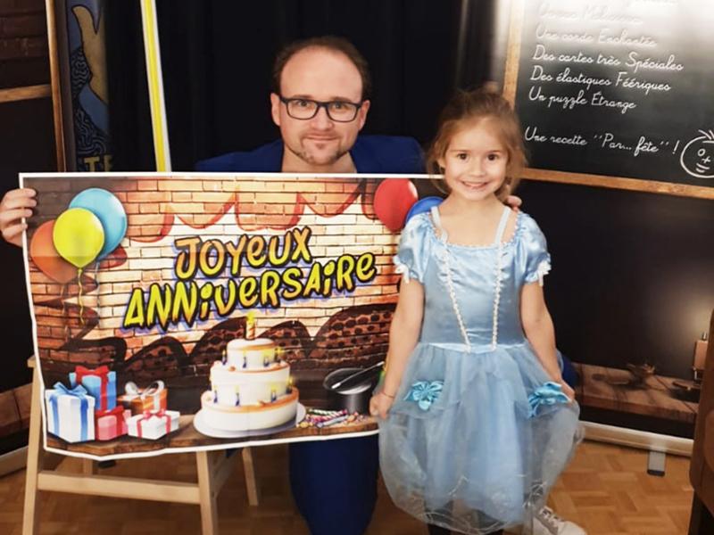 magicien pour anniversaire enfants à domicile petite fille